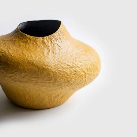 Papier-mache-vase-for-flowers-5