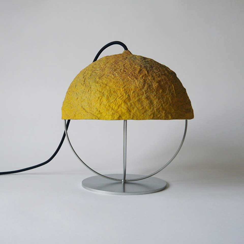 table_lamp_bellota_yellow_crea_re